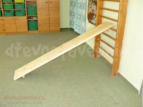 Dřevěná skluzavka 175 cm